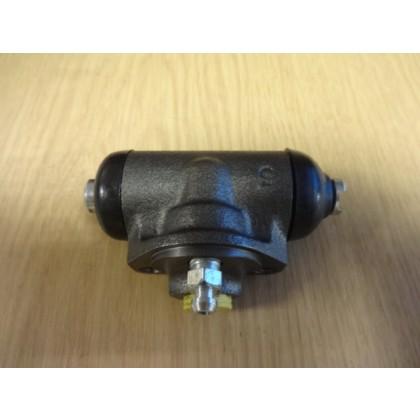 Aixam Microcar Rear Wheel Brake  Cylinder - Drum Brake Fluid Cylinder